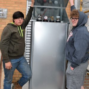 CCCTC Heating, Ventilation, Air Conditioning & Refrigeration Students Learning About Fuel Levels