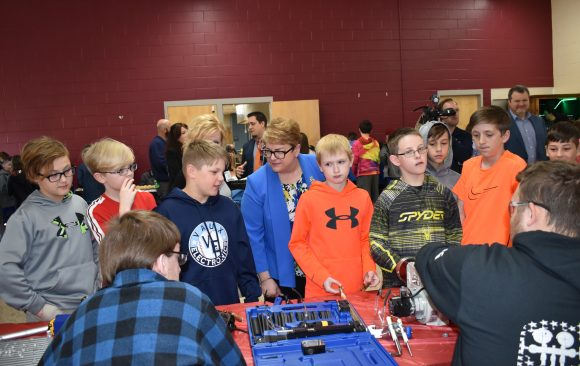 L&I Tours CCCTC, Highlights Governor's Proposal to Boost STEM and Job Training Programs