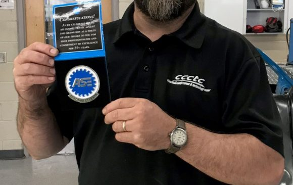 CCCTC's Collision Repair Instructor Recognized By National Institute of Automotive Service Excellance