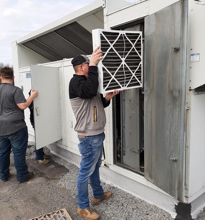 CCCTC HVAC/R Students Perform Spring Air Conditioner Maintenance