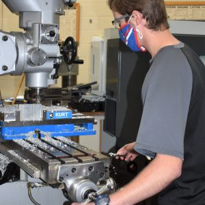 CCCTC Metal Engineering Students Learning Process of Face/Top