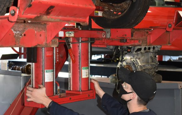 New CCCTC Automotive Mechanics' Students Getting Acclimated with Shop Equipment