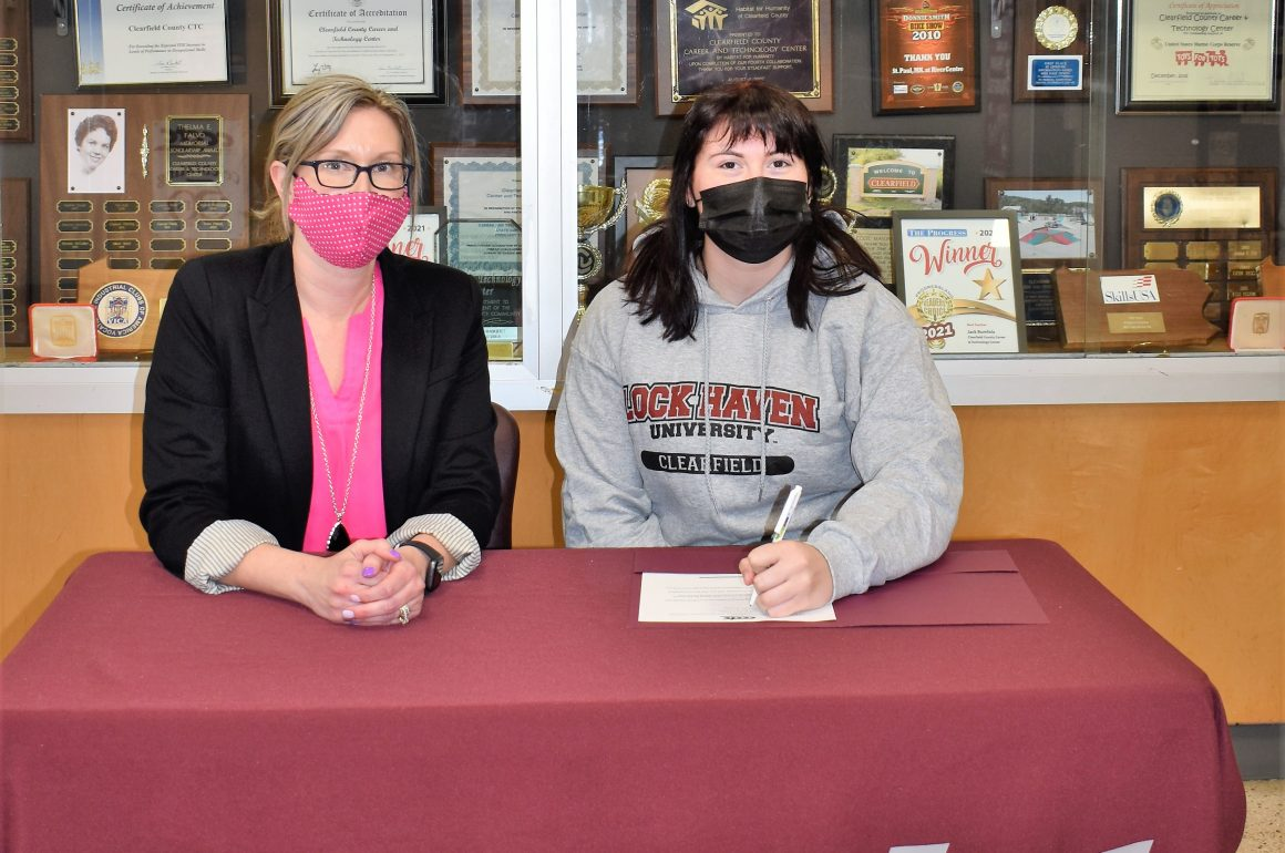 CCCTC Senior, Kendra Billotte, Signs Letter of Intent during Career & Technical Letter of Intent Virtual Signing Day